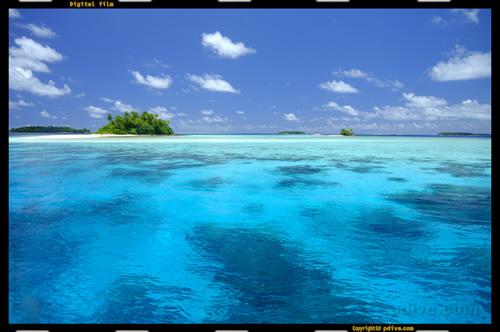 マーシャル諸島 ミリ環礁 2005/08/14 船上撮影(Eneniaar)