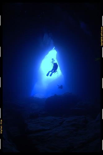 サイパン ダイビング 2006/04/30 (3)グロット