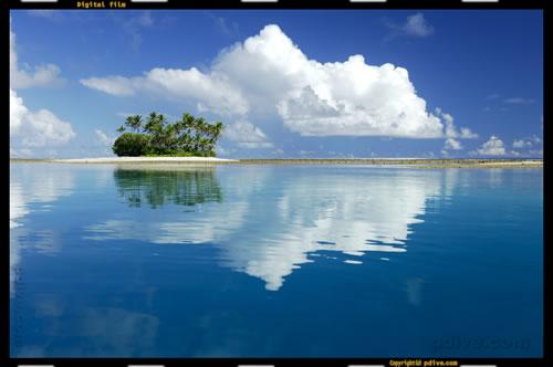 マーシャル諸島 マジュロ環礁 2006/08/19 船上撮影