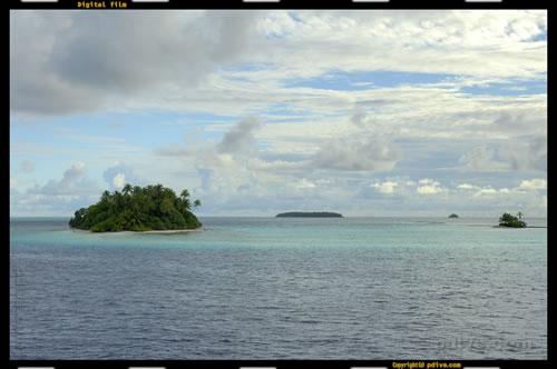 マーシャル諸島 ミリ環礁 2006/10/10 船上撮影(Eneniaar)