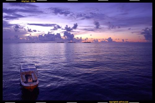 マーシャル諸島 ミリ環礁 2006/10/10 船上撮影(ミリ環礁ラグーン)