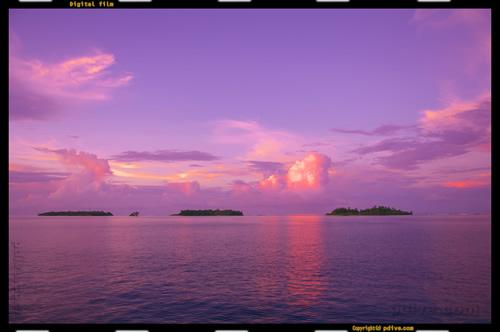 マーシャル諸島 ミリ環礁 2006/10/11 船上撮影(ミリ環礁外洋)