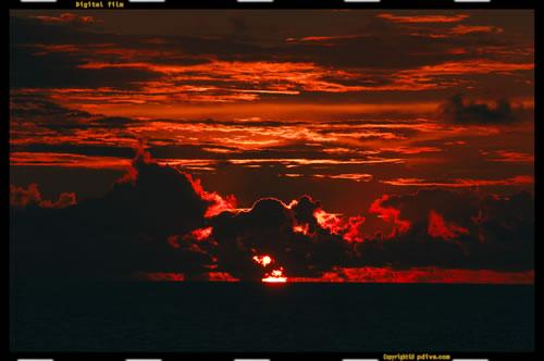 マーシャル諸島 アルノ環礁 2006/10/12 船上撮影(アルノ環礁外洋)